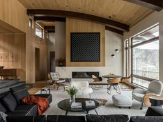 This mountain contemporary ski retreat was renovated by Menendez Architects and Patricia Martinez Arquitetura in Snowmass Village, Colorado. Cozy Living Rooms, Living Area, Living Spaces, Modern Pools, Property Design, Cuisines Design, Interior Design, Decoration, Furniture