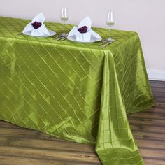 Add an instant WOW factor into your table decoration with efavormart's supreme quality Pintuck Taffeta Tablecloths. Shop for our lovely Taffeta Pintuck Tablecloths, Table Overlays, Table Runners, Table Skirt and more at discounted rates.