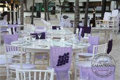 Capelos largos y cortos para silla tiffany  para crear un efecto visual lleno de armonia.  #beach #wedding #Rivieramaya #Mexico