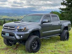 2014 Toyota Tacoma 20x12 -44mm Hostile Sprocket 2014 Toyota Tacoma