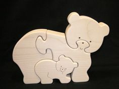 Bear and cub simple wooden puzzle Scroll Saw Patterns, Wood Patterns, Woodworking Toys, Woodworking Projects, Small Wood Projects, Projects To Try, Wood Animal, Wooden Puzzles, Wooden Crafts