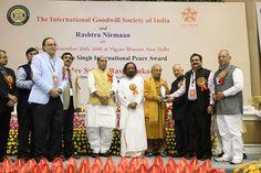 Shri Rajnath singh Ji, Shri Ravi Shankar ji, Shri Birju Maharaj Ji, Shri Vijay Jhindal Ji, and all Respected Guests.