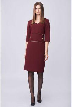 Μίντι κρεπ φόρεμα με ιδιαίτερη λαιμόκοψη και διακοσμητικές λεπτομέρειες από λούρεξ στην μπάσκα, 3/4 μανίκι, κλείσιμο πίσω με κρυφό φερμουάρ στην ραφή, άνοιγμα στο κάτω πίσω μέρος, φοδραρισμένο για καλύτερη εφαρμογή.Ελληνική ραφή. Casual Looks, Cold Shoulder Dress, Dresses For Work, Shopping, Fashion, Moda, Fashion Styles, Fashion Illustrations, Casual Clothes