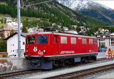 RhB, Rhätische Bahn, the electric locomotive Ge 4/4 I 605 shunting