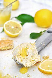 No-Churn Lemon Pie Ice Cream. Creamy & refreshing lemon pie ice cream for lemon lovers! No ice cream maker required. (in Greek) Cheesecake Ice Cream, Ice Cream Pies, Greek Desserts, Greek Yogurt Recipes, Vegan Recipes Easy, Sweet Recipes, 2 Ingredient Ice Cream, Healthy Eating Grocery List, Pastry Cake