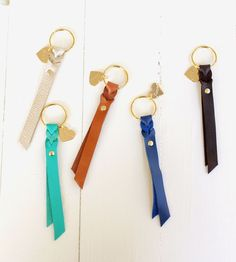 Leather Keyring, Leather Gifts, Leather Accessories, Leather Jewelry, Braided Leather, Leather And Lace, Leather Scraps, Leather Projects, Leather Working
