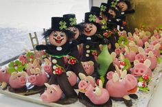 Lucky Foods To Eat On New Year's Eve Around the World: Marzipan Pigs (Germany)