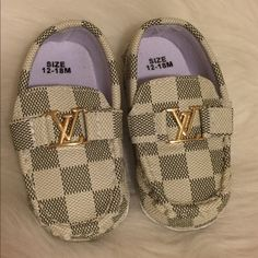Baby shoes This are new they didn't fit my baby. Price reflects authenticity size is 12-18months. They are soft bottoms. Shoes