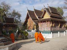 À l'extérieur du Wat Xieng Thong (Photo prise par Bunkyo)