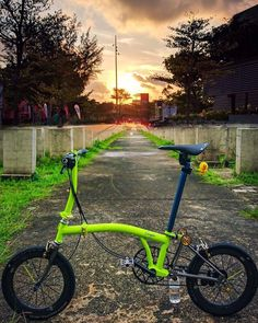 Folding Bicycle, Brompton, Cool Bicycles, Bicycling, Custom Bikes, Lime, Awesome, Green, Ideas