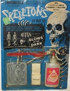 06 Oct - Skeleton 'Thingmaker' kit by Mattel, with night glow 'plastigoop'! Momento Mori, Vintage Games, Vintage Toys, Gi Joe, Weird Toys, Creepy Toys, Toy Packaging, Vintage Packaging, 1960s Toys