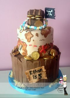 Pirate Treasure Map and Wooden Barrel Cake. I was thinking for Ems BD,of a cake made in a loaf pan, sides could have Kit Kat as wood, top cut and lifted open with treasure and pirate Hello Kitty Toddler Birthday Cakes, Birthday Cakes For Men, Pirate Birthday, Cakes For Boys, Pirate Party, Men Birthday, Pirate Theme, Birthday Parties, Cupcakes