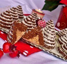 Juditka konyhája: GESZTENYÉS HAVAS PIRAMISOK Gingerbread Cookies, Food And Drink, Breakfast, Christmas, Candy, Gingerbread Cupcakes, Morning Coffee, Xmas, Navidad
