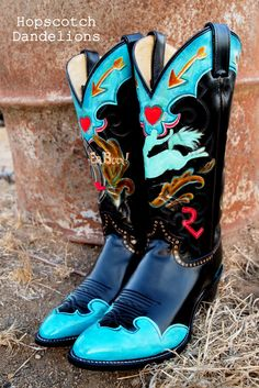 Let 'Er Buck custom hand painted cowboy boots by Hopscotch Dandelions