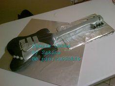 guitar cake Guitar Cake, Novelty Cakes