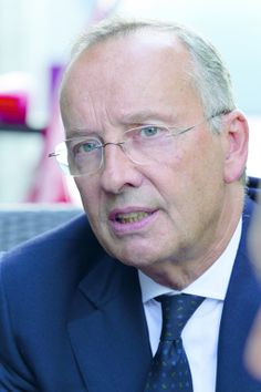 Ehrendoktor für Volkswagen-Chefdesigner Walter Maria de Silva
