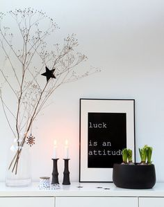 Minimalistic christmas decoration #christmasdecor #blackwhitechristmas #xmas #christmasidea