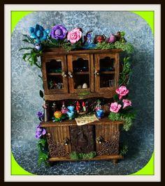 Gothic Witch magische Alice im Wunderland Hutch Puppenhaus Miniatur Märchen Ooak benutzerdefinierte Aufträge Willkommen