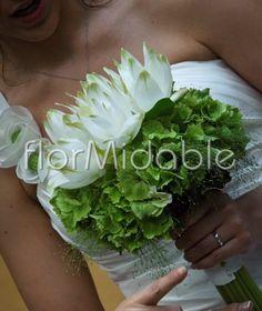 Google Image Result for http://www.fashionbride.it/wp-content/uploads/2012/06/bouquet-sposa-curcuma-ortensia-flormidable-601x714.jpg
