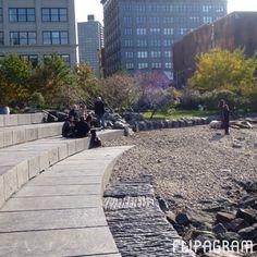 """¡Buenas tardes! Hoy comparto noche y día en mi lugar favorito de #NuevaYork : """"Brooklyn Bridge Park"""" #video  - http://flipagram.com/f/F16mu6uG1J"""