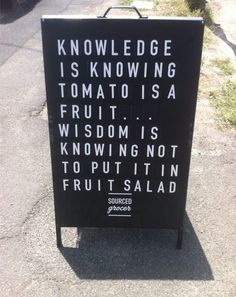 Knowledge vs Wisdom Funny Food Jokes, Food Humor, Farm Fun, Veggie Patch, Funny Comics, Letter Board, Life Quotes, Veggies, Knowledge