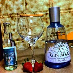 GinMare with Fever Tree Mediterranean & strawberries and cinnamon #GinTonic