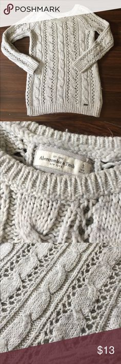 Abercrombie sweater Excellent used condition. Smoke free home. Abercrombie & Fitch Sweaters Crew & Scoop Necks