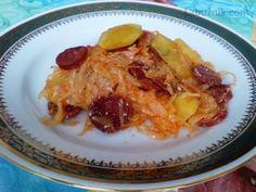 Recept: Zapečené brambory s kysaným zelím na Labužník.cz
