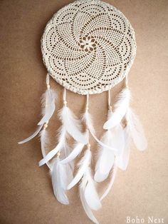 Dream catcher - white mandala - unique dream catcher with white handmade crochet web and white feathers - mobile, home decor, decoration Los Dreamcatchers, Crochet Projects, Craft Projects, Feather Mobile, Dream Catcher White, Dream Catchers, Do It Yourself Baby, Diy And Crafts, Arts And Crafts