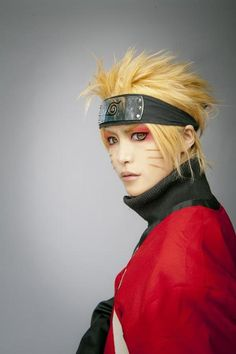 Naruto cosplay. I would LOVE if there was a tutorial on how to do this exact makeup because it is so awesome #naruto #cosplay