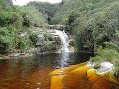 Parque Estadual do Ibitipoca. Lugar de beleza rara, no cerrado das Minas Gerais, o parque fica em Conceição do Ibitipoca, município de Lima Duarte.    Picos, grutas, cachoeiras, lagos, animais silvestres e muito mais!
