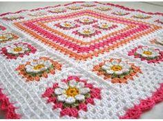 Resultado de imagen para tapetes de croche colorido