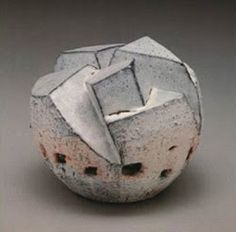 Korean Ceramic Art: Kwon Sang In 권상인