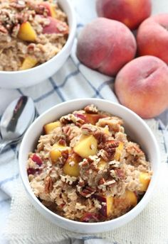 Peach Cobbler Oatmeal - an easy and delicious breakfast ready in less than 10 cups water pinch of salt 2 cups rolled oats 2 tsp. cinnamon pinch of nutmeg 2 large peaches, chopped tablespoons light brown sugar* cup chopped pecans for garnish; if desired Healthy Snacks, Healthy Recipes, The Fresh, Quick Meals, Breakfast Recipes, Food And Drink, Cooking Recipes, Yummy Food, Favorite Recipes