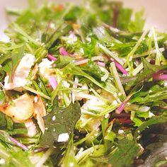 紅い水菜って珍しぃo(>◡<)o - 9件のもぐもぐ - 水菜と豆腐のガーリックサラダ by nanao777