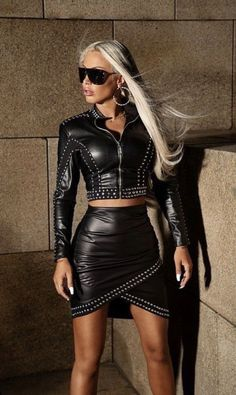 Sexy Outfits, Sexy Dresses, Fall Outfits, Leder Outfits, Dress Attire, Elegantes Outfit, Black Leather Skirts, Leather Fashion, Sexy Women
