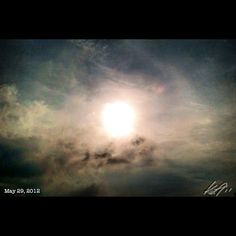 Off to work #morning #sun #sky #cloud #philippines #フィリピン #空 #雲 #朝日