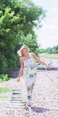 Floral maxi dress. Summer Fashion. Women's fashion.