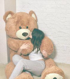 Every girl Loves huge Teddy Bear😍