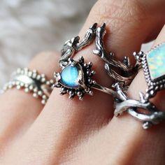 Merlin Trillion Labradorite Ring