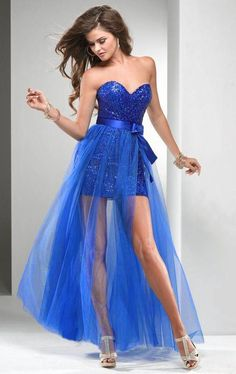 Vestidos para fiestas de noche: Vestido azul corto con falsa superpuesta de tul