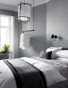 35 Amazingly Pretty Shabby Chic Bedroom Design and Decor Ideas - The Trending House Contemporary Bedroom, Modern Bedroom, Minimalist Bedroom, Home Decor Styles, Cheap Home Decor, Grey Bedroom With Pop Of Color, Gray Bedroom Walls, Lilac Bedroom, Gray Walls