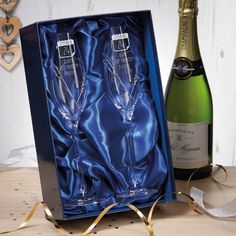 Beautiful premium quality personalised gifts to celebrate a Leather Wedding Anniversary. 20th Wedding Anniversary Gifts, Paper Anniversary, Diamond Anniversary, Wedding Gifts, Personalized Champagne Flutes, Happy Couples, Personalised Gifts, Crystal Wedding, Blue Satin