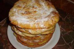 Placinte rapide din Carte de bucate, Produse de panificatie. Specific Romania. Cum sa faci Placinte rapide Romanian Food, Romanian Recipes, Pastry Cake, Sweet Cakes, Donuts, Good Food, Food And Drink, Cooking Recipes, Ice Cream
