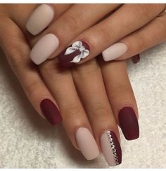 Nowadays, Not only fingernails but also toenails are considered important points of beauty for women. Toe nails designs look very pretty and chic as the way they do on our finger nails. From easy and simple to fun and colorful, there must be something special for you. Here are some of the new best toe nail arts design you will love.