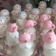 Docinhos decorados.... adoro! #love #mesadobolo  #decoracaopersonalizada  #carinho  #amor #familia #family