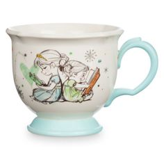 It's always time for tea with this charming Disney Animators' Collection Frozen teacup! Featuring delightful sketch illustrations of Frozen favourites Elsa, Anna and Olaf plus a contrasting turquoise handle and base, this is a teatime essential.
