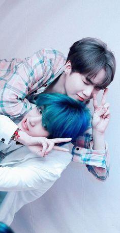 I love my Daegu boys Suga Suga, Bts Taehyung, Bts Bangtan Boy, Bts Boys, V Bts Cute, I Love Bts, Billboard Music Awards, Foto Bts, Bts Memes