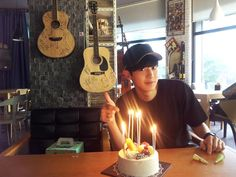 "Chanyeol - 140918 'Creating A Better World's' Facebook update: ""둘만의 오붓한 생일파티 ^^"""