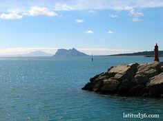 Una imagen recurrente: salida del puerto de Sotogrande enfilando a Punta Europa en Gibraltar